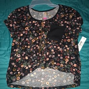 Other - a cropped knot front tee w/ necklace